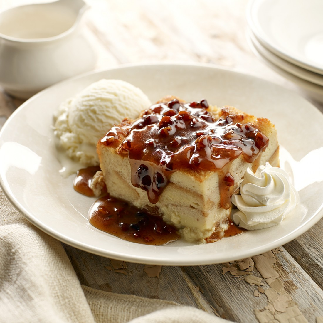 Handcrafted Desserts - Famous Dave's Cleveland - May6_BreadPudding